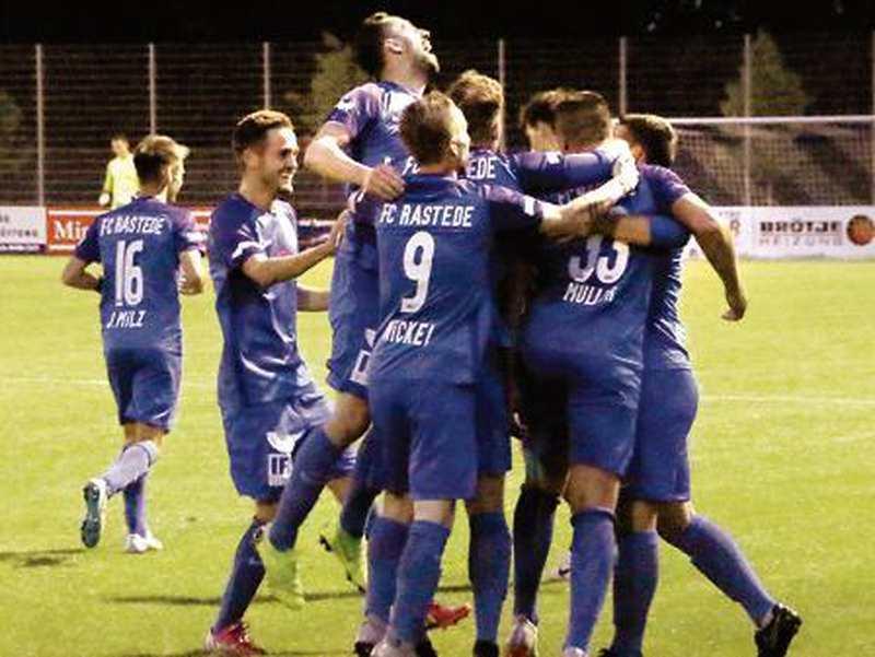 Fußball: Rasteder bewerten zwei Niederlagen nicht über - Nordwest-Zeitung