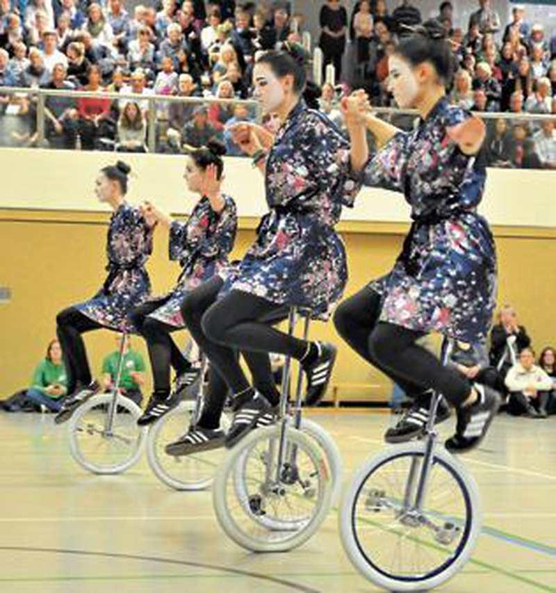 Show: Geishas verzaubern die Hössen - Nordwest-Zeitung