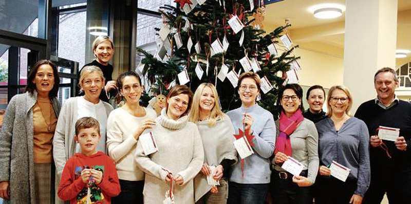 Westersteder Starten Wunschbaum-Aktion: 300 Wunschzettel an einer Tanne - Nordwest-Zeitung