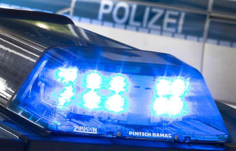 Zeugenaufruf In Ganderkesee: Unbekannte schlagen Scheibe am Rathaus ein - Nordwest-Zeitung