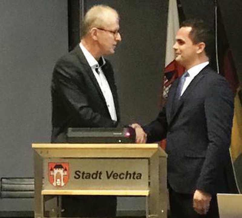 Ratssitzung: Bürgermeister von Vechta: Kater vereidigt - Nordwest-Zeitung
