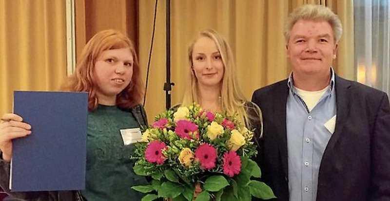 Ausbildung: Gute Zusammenarbeit gewürdigt - Nordwest-Zeitung