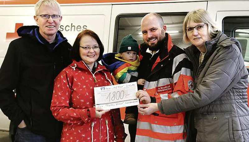 Spendenübergabe In Ganderkesee: Kuchen für den guten Zweck - Nordwest-Zeitung
